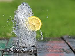 acqua con limone+