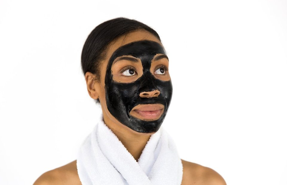 maschera nera viso